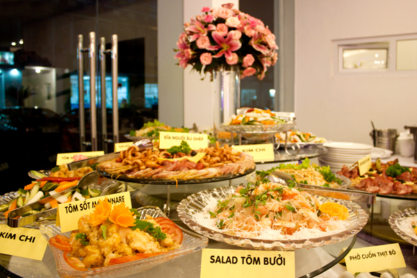 7-luu-y-khi-lua-chon-hinh-thuc-to-chuc-tiec-cuoi-buffet-5