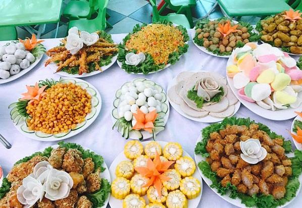 Thuc-don-cac-mon-an-trong-tiec-buffet-cho-tre-em-2