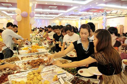van-hoa-an-buffet-ma-ban-can-biet-khi-di-an-tiec-buffet-3