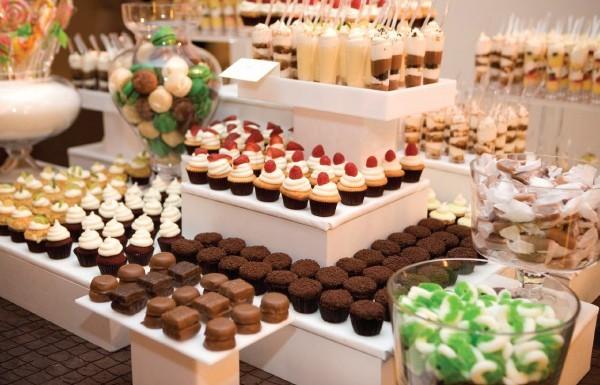 Thực đơn đãi tiệc buffet tự tổ chức tại nhà dễ làm nhất