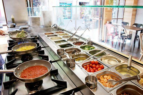 Khay topping luôn có mặt ở khắp mọi nhà hàng, quán xá